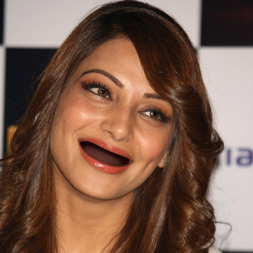 Bollywood Actress Funny Face Without Teeth