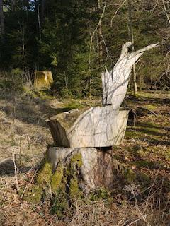 Wegmarkierung Grabhügelfeld bei der Keltenschanze Kreuzpullach