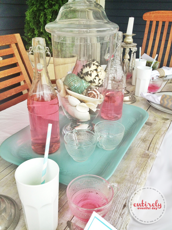 Beautiful table idea for a sophisticated beach party! entirelyeventfulday.com #party #summer #beachparty