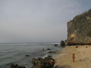 Tempat Wisata Pantai Blue Point