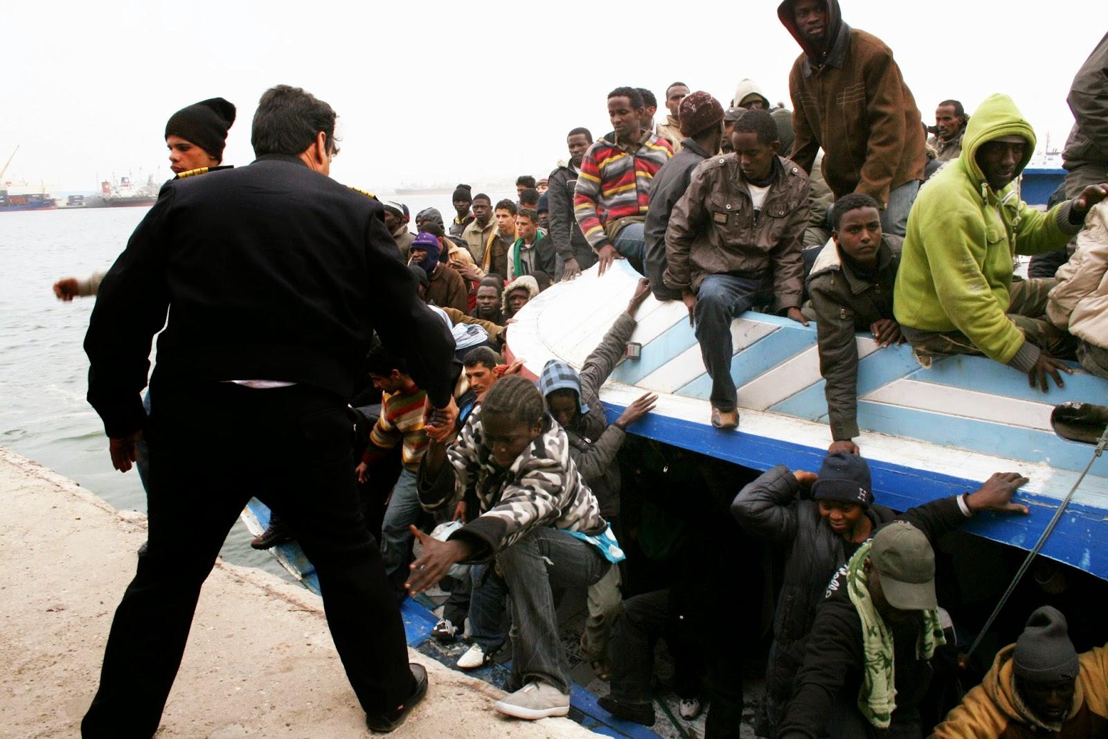 Μα δεν χωρούν άλλοι λαθρομετανάστες στην Ελλάδα: «Αυτό δεν μου λέει τίποτα» η απάντηση - πρόκληση της υπουργού «Μετανάστευσης»
