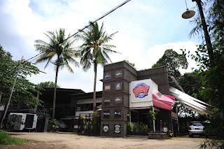 Carburator's Spring Cafe