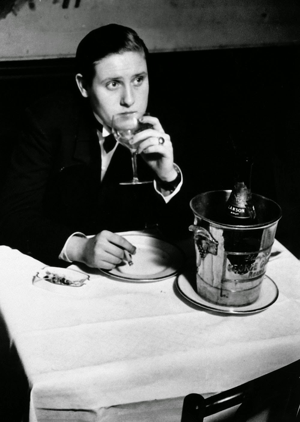 Young invert at Le Monocle, 1932.