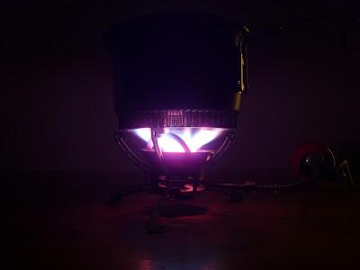 Primus Multifuel EX Flammenbild im Dunkeln