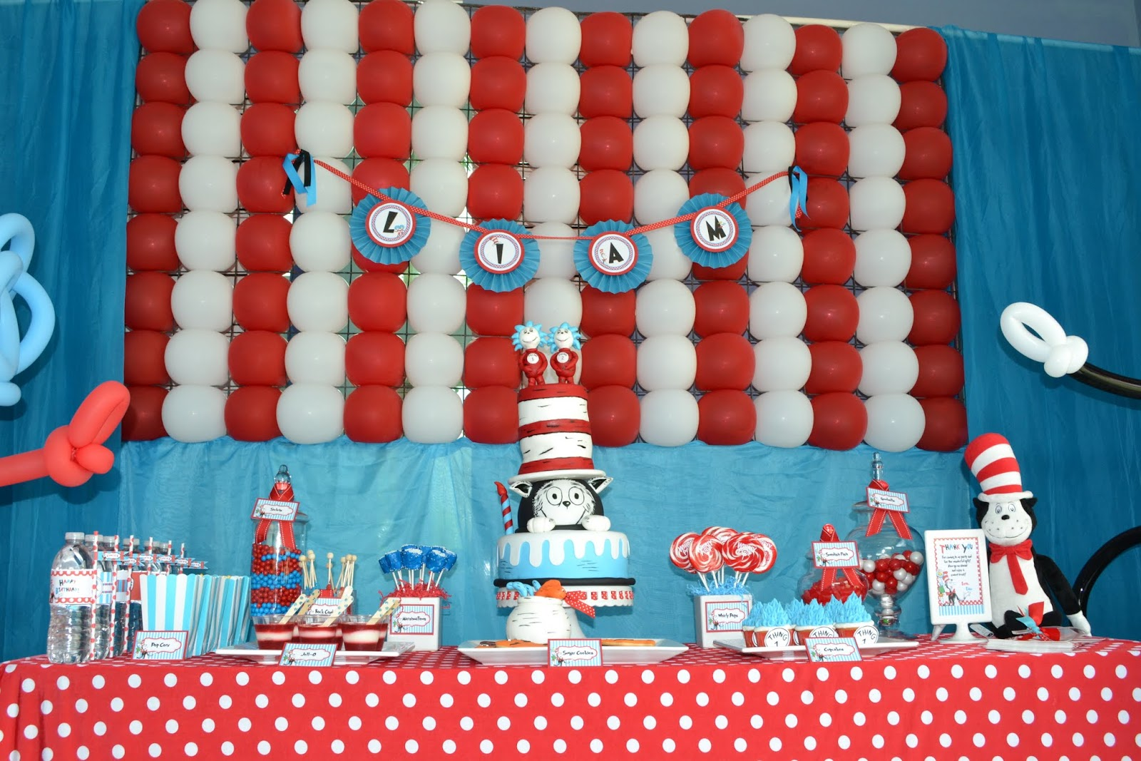 Cat In The Hat Baby Shower Cake Ideas