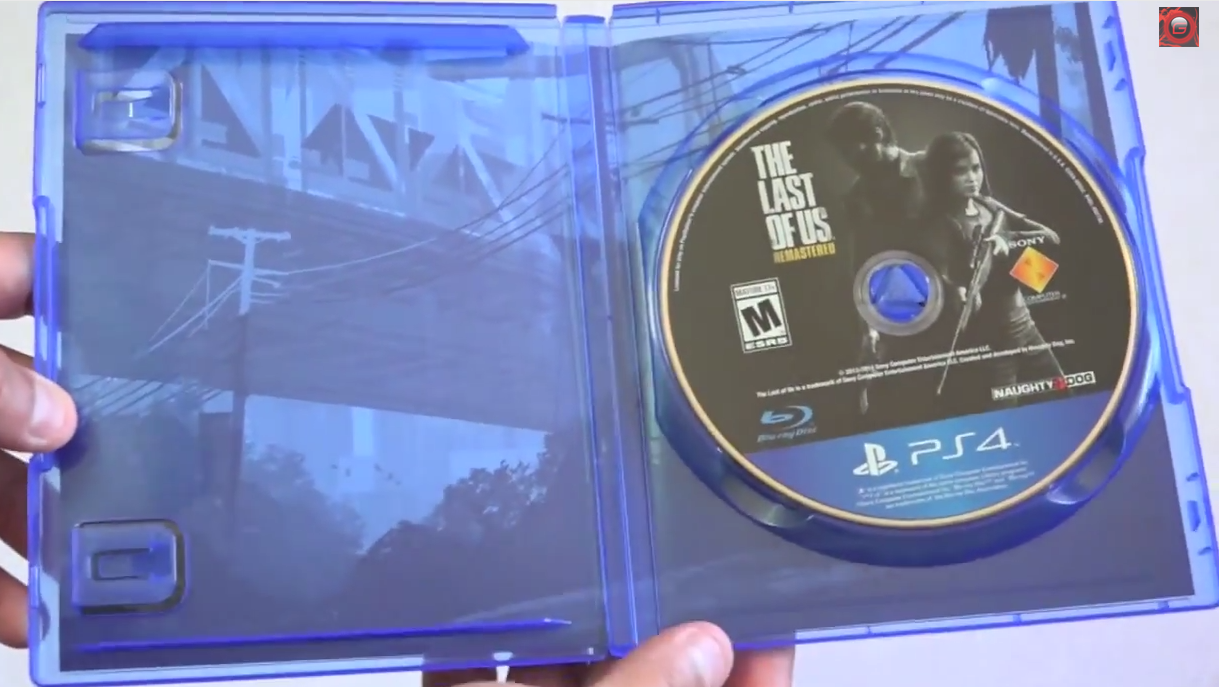parte de dentro da caixa do jogo para PS4 The Last of Us Remastered