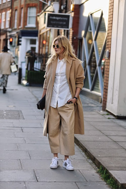 how to combine culotte pants and sneakers pantaloni culotte come abbinare i pantaloni culotte abbinamenti pantaloni culotte outfit pantaloni culotte idee abbinamenti pantaloni culotte idee outfit pantaloni culotte how to wear culotte pants how to combine culotte pants how to match culotte pants con che scarpe abbinare i panta culotte with what shoes wears culotte pants street style culotte pants street style panta culotte tendenze inverno 2016 winter trends mariafelicia magno fashion blogger colorblock by felym fashion blog italiani fashion blogger italiane blog di moda blogger italiane di moda fashion blogger bergamo fashion blogger milano fashion bloggers italy italian fashion bloggers influencer italiane italian influencer