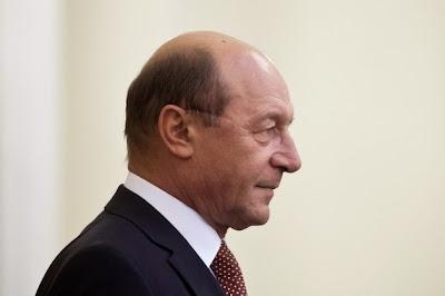 illegális visszaszolgáltatás, Traian Băsescu, Románia, bűnvádi eljárás, zsarolás,