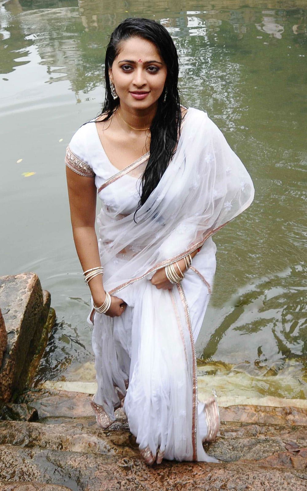 Hot In Water : Anushka latest hot wet white saree stills without water