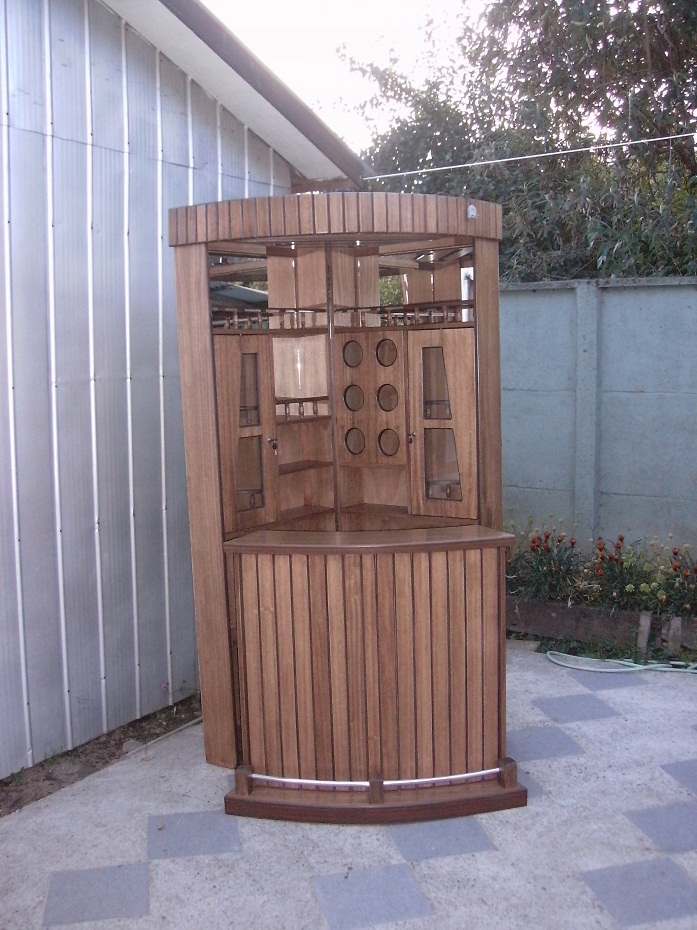 Esquineros de madera com banco esquinero muebles banco for Barra bar madera segunda mano