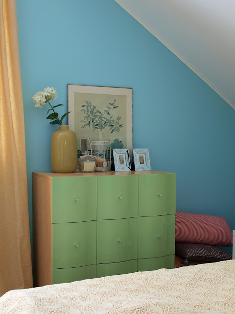 vintage bedroom makeover turquoise blue bright ikea mirrored frame