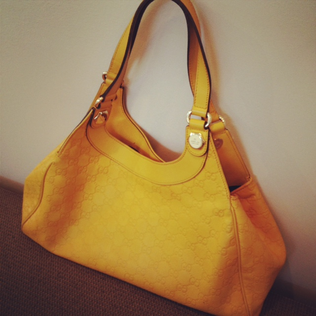 Gucci Charmy yellow purse, Designer purse, Gucci Purse, Fashion, style, designer, guccissima leather, leather bag