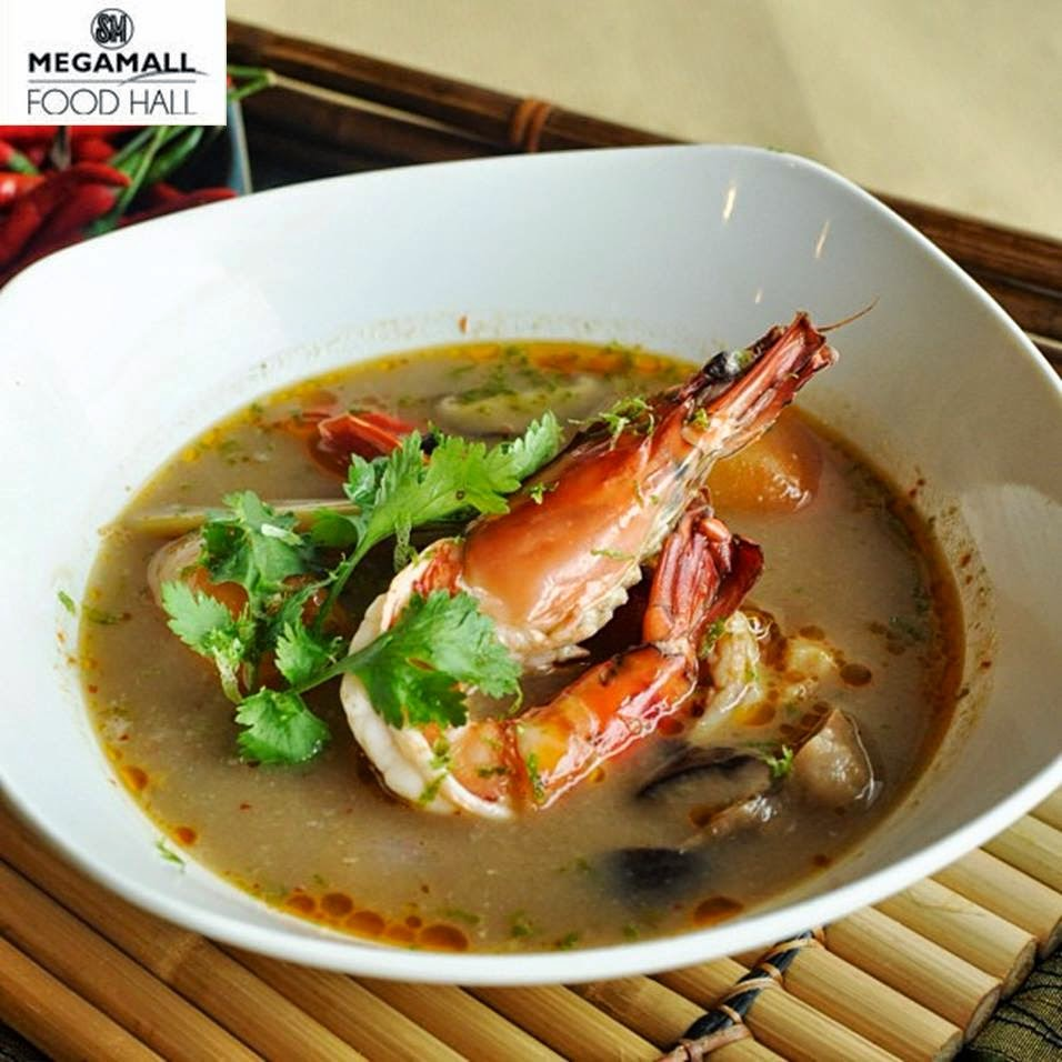 Piping hot, spicy, sour, savory shrimp broth w/ Thai herbs & aromats.