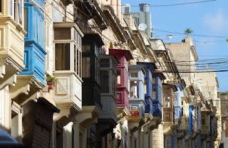 Balcones típicos de Malta.