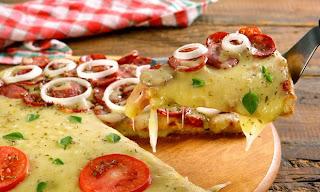 #receita de #pizza com #massa de #pao de #queijo