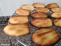 madeleines recién horneadas