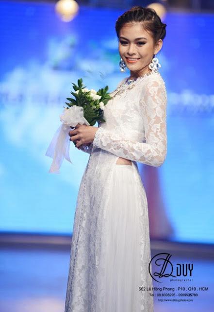Áo dài cưới chất liệu ren phù hợp cho cô dâu mũm mỉm