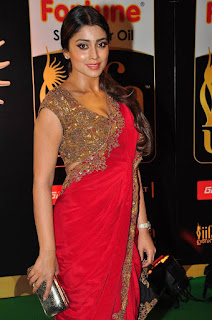 Actress Shriya Saran Latest Pictures in Red Saree at IIFA Utsavam Awards 2016  25285)