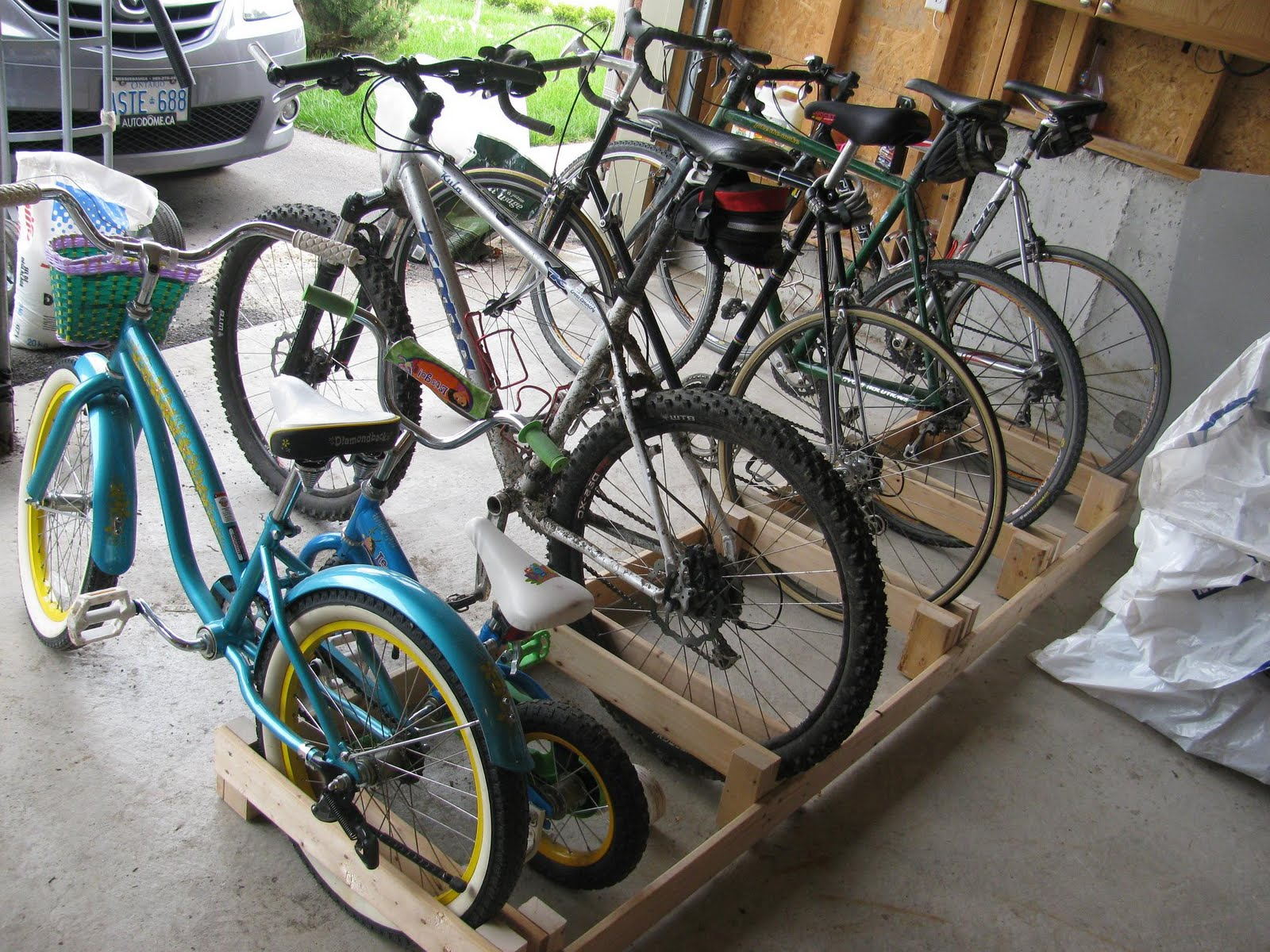 Pdf diy wood bike rack plans download wood clock plans for How to make a bike stand out of wood