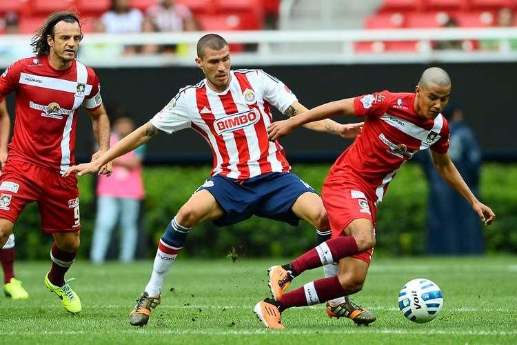 Jorge Enríquez participó en el duelo que el Guadalajara ganó 3-1 a Coras.