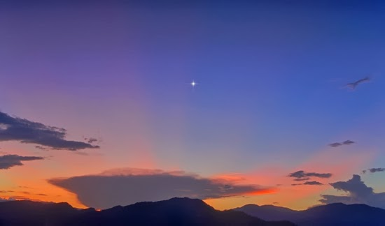 Venus, Bulan dan Jupiter Paling Cemerlang Malam Ini
