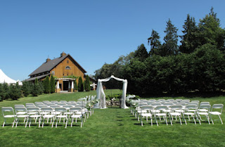 Beautiful Outdoor Country Wedding Decoration