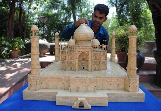 Shaikh Salimbhai - Replika Taj Mahal dari batang mancis