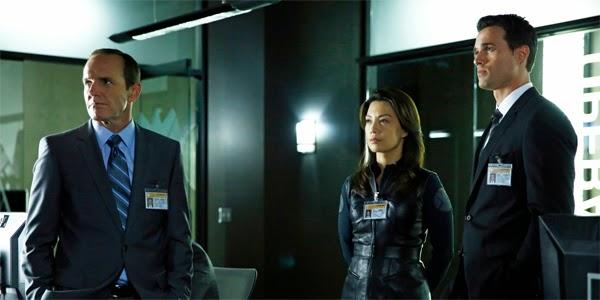 Coulson, May y Wart de Agentes de S.H.I.E.L.D.