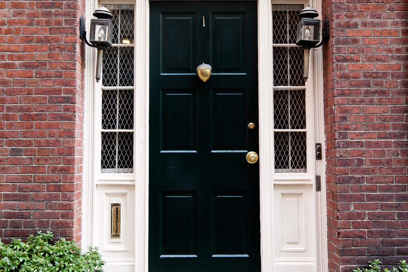 A door with an acorn knocker in Boston