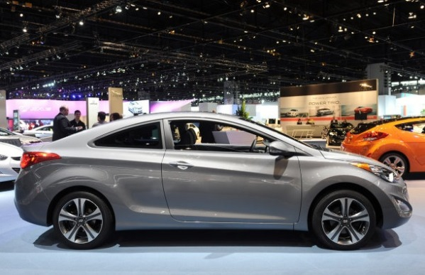 car on Hyundai Elantra 2014