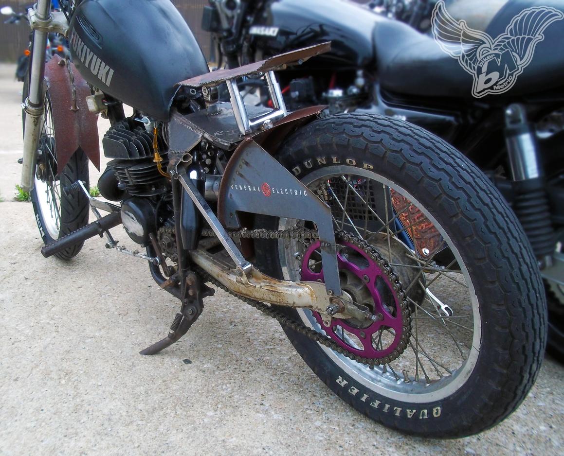 two stroke suzuki 125 rat bike - rear | blue star motorcycles