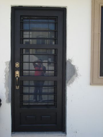 Maquinados y paileria mapaza for Puertas blancas economicas