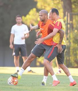 Felipe Melo ficará apenas no banco de reservas para o jogo contra o Real Madrid (Foto: Galatasaray Official)