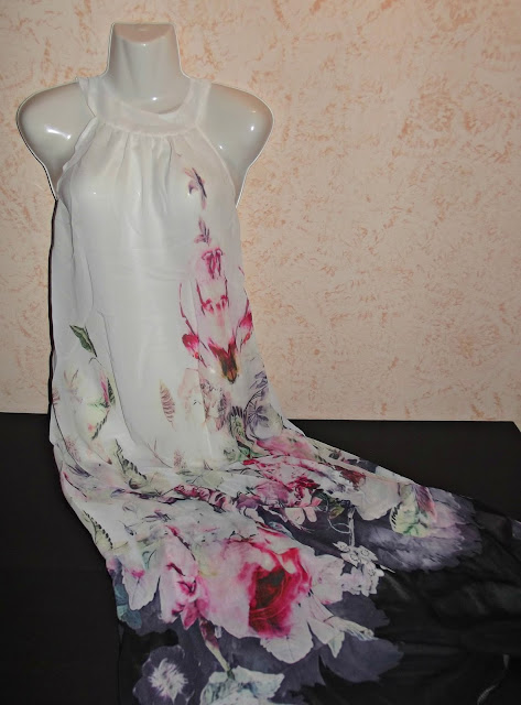 http://www.wholesalebuying.com/product/wholesale-hot-ladies-floral-chiffon-o-neck-sleeveless-backless-high-waist-pleated-maxi-party-dress-134619?utm_source=blog&utm_medium=banner&utm_campaign=lendy79