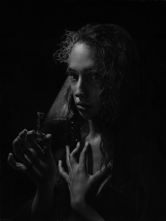 Emanuele Dascanio pinturas retratos e natureza morta hiper-realistas Mulher