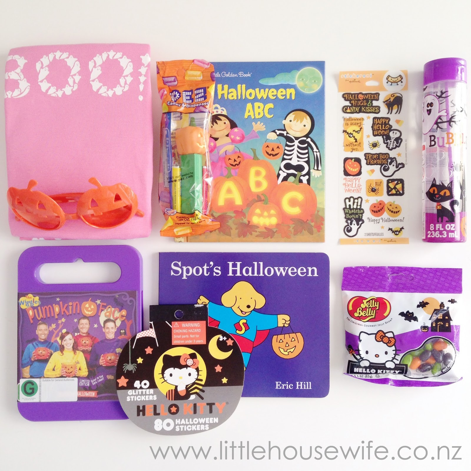 Peek Inside: Halloween Is Here! (Peek Inside Sticker Books)