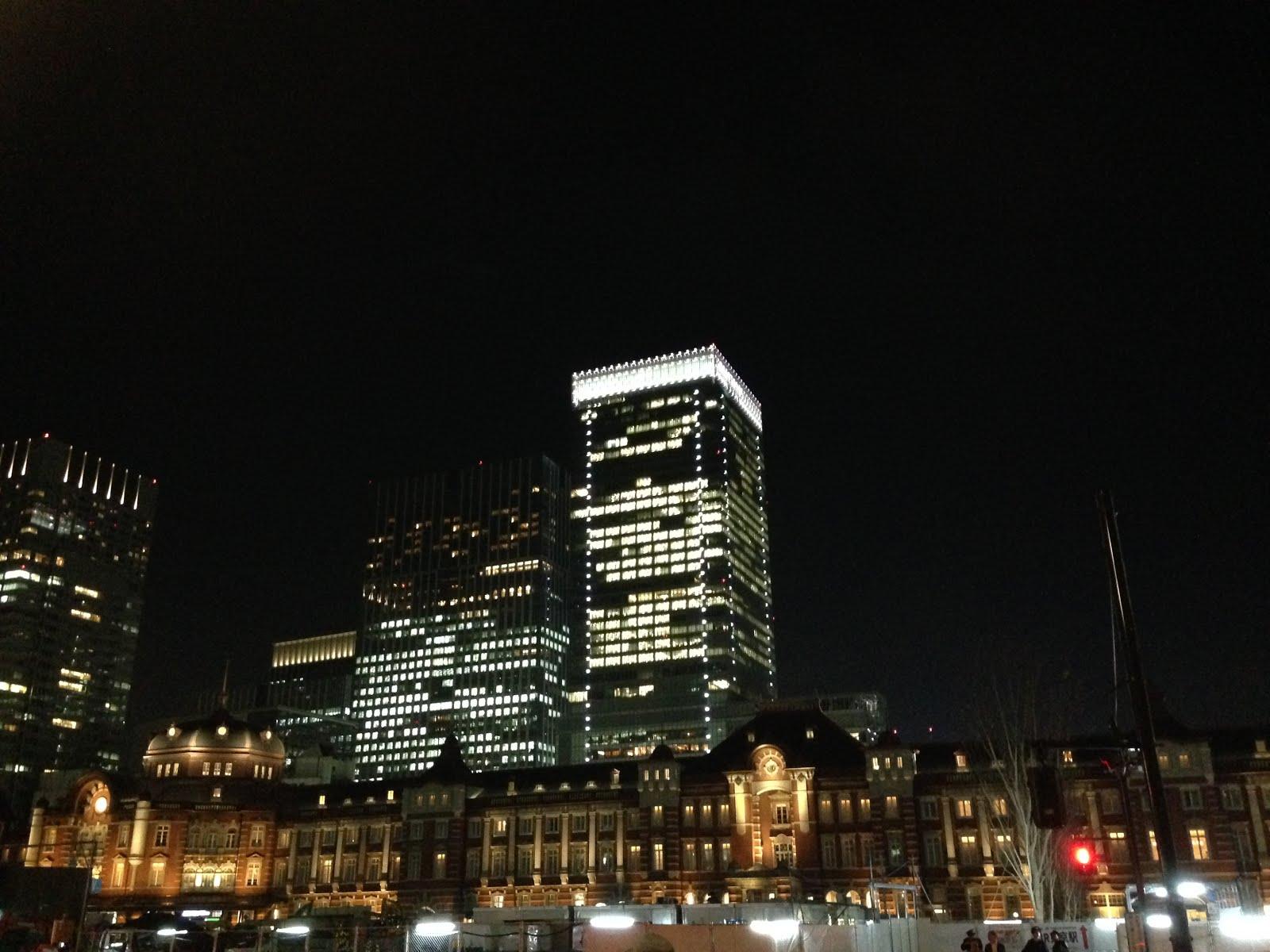 師走の東京駅丸の内側からの景色