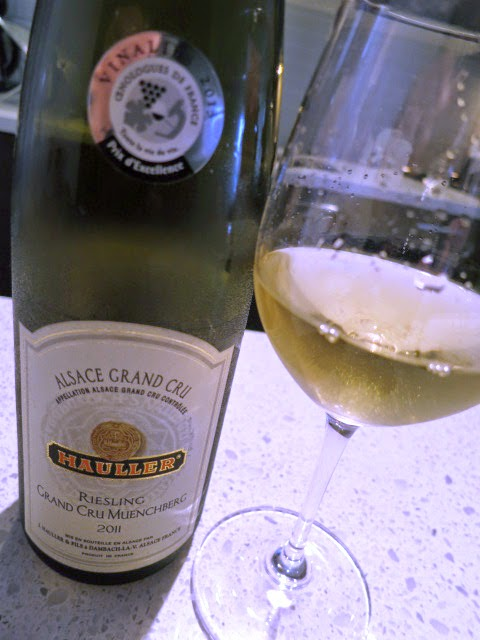 Wine Review of 2011 Hauller Muenchberg Riesling from AC Grand Cru, France