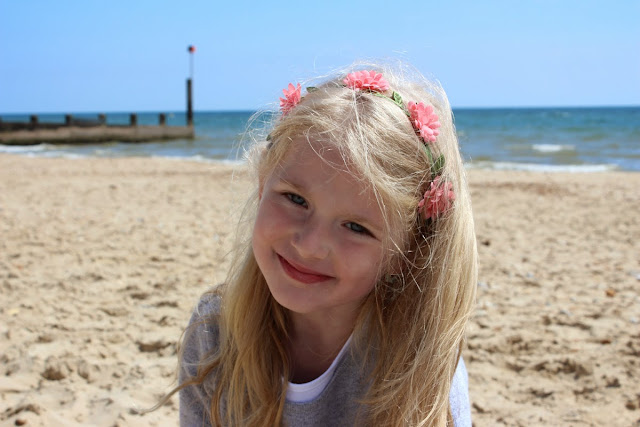 flowers-in-hair, girl-on-the-beach, todaymyway.com, at-the-seaside