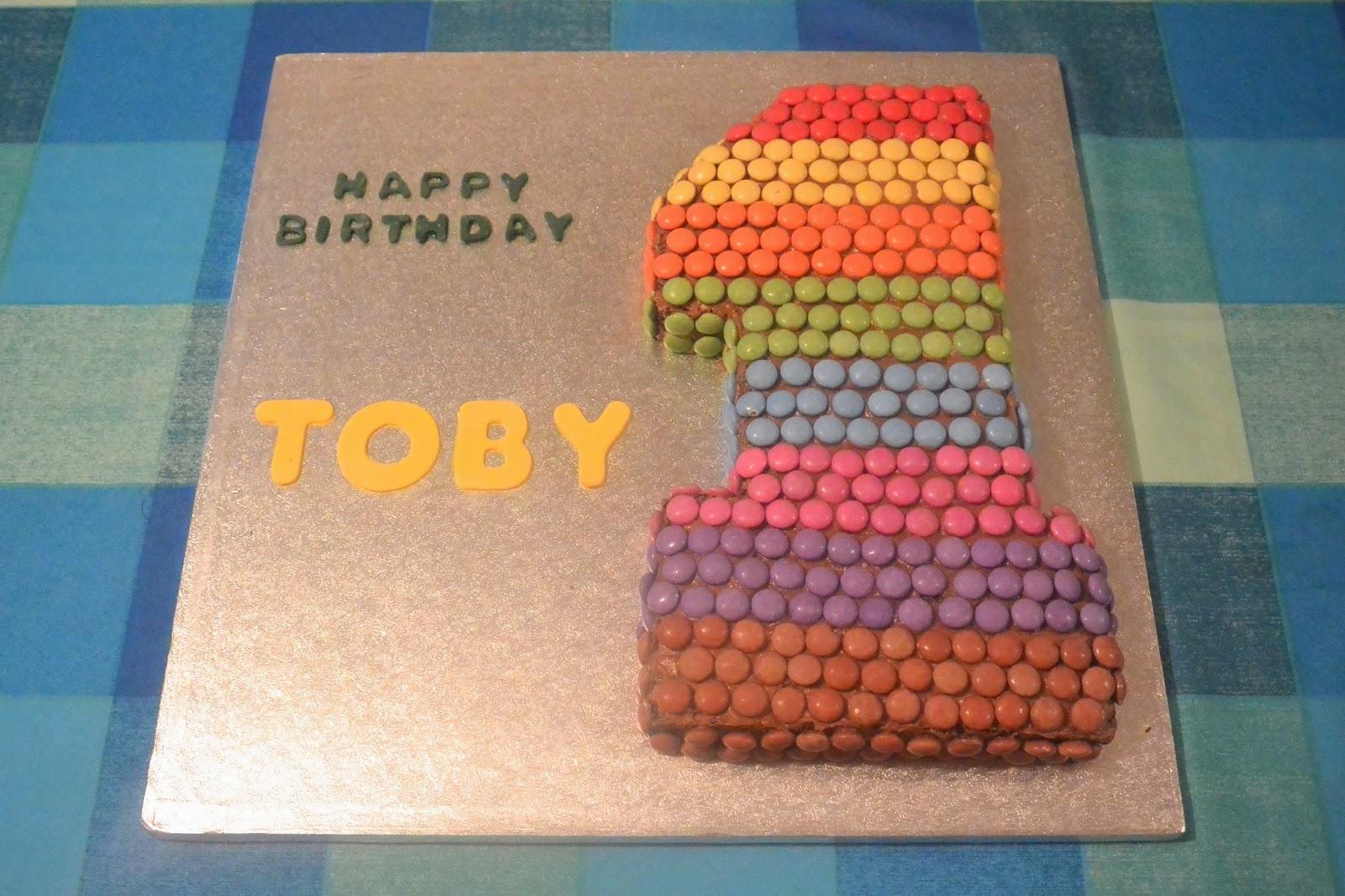 Jennifer Bakes 1st Birthday Cake And Cupcakes