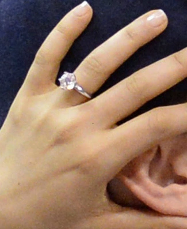 Mila Kunis Engagement Ring Celebrity Engagement Rings