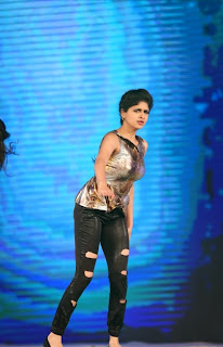 Actress Naveena Dance Performance at Gama Awards Pictures Stills Gallery 17