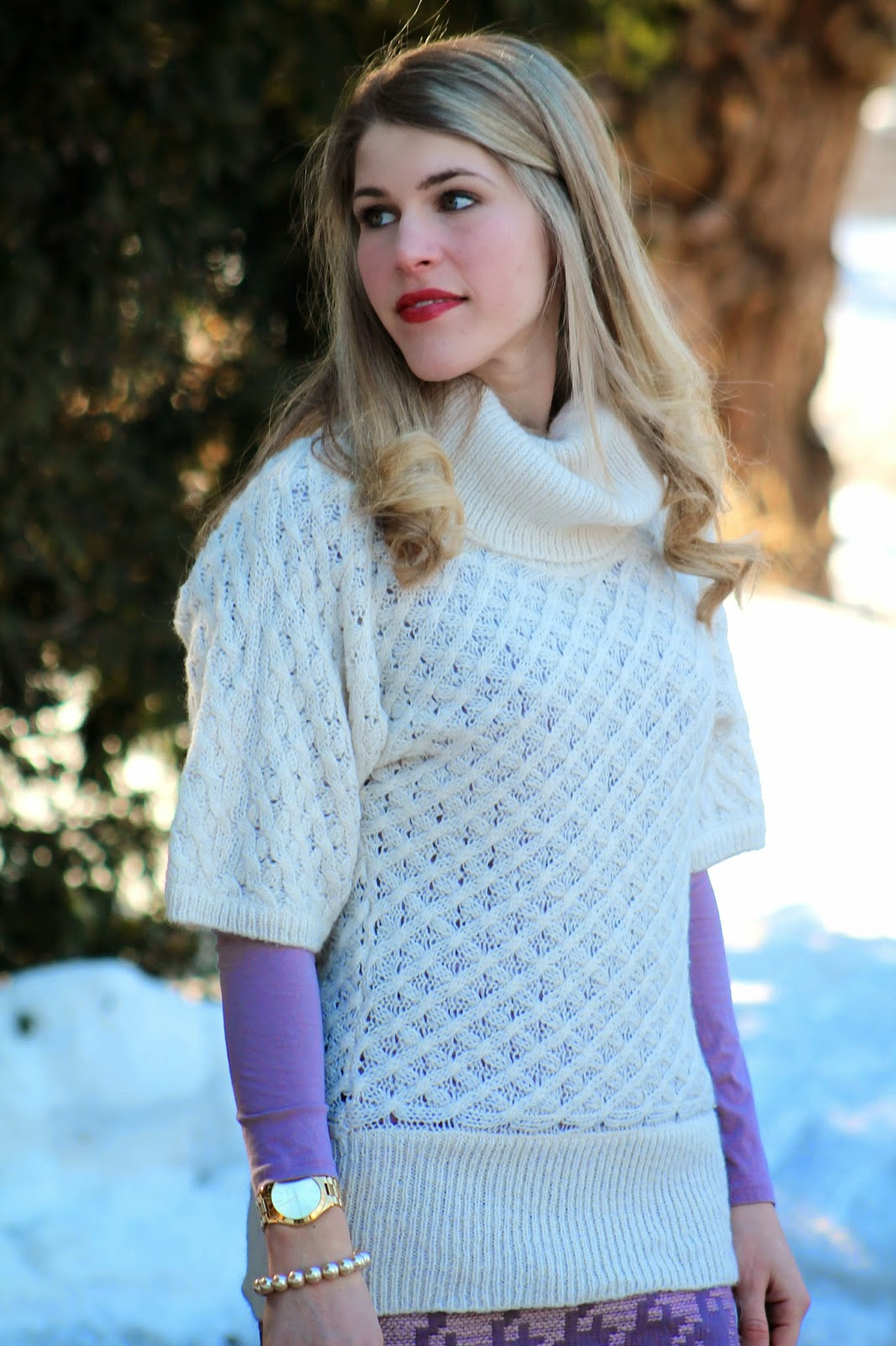 white tunic sweater with pink loft houndstooth skirt and boots