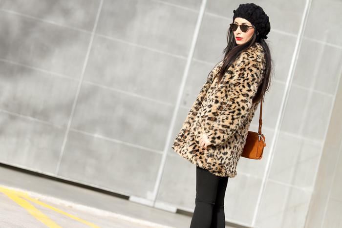 Abrigo de pelo de estampado leopardo