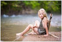 Small Robin Hood Girl