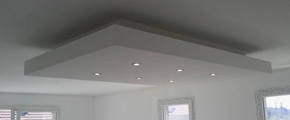 Bricolage de l 39 id e la r alisation plafond descendu - Comment installer des spots led au plafond ...
