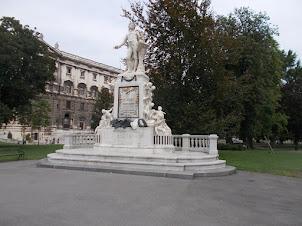 Statue of Amadeus Mozart in Mozart Park in Vienna.