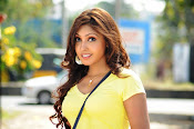 Komal Jha unseen photos gallery-thumbnail-11