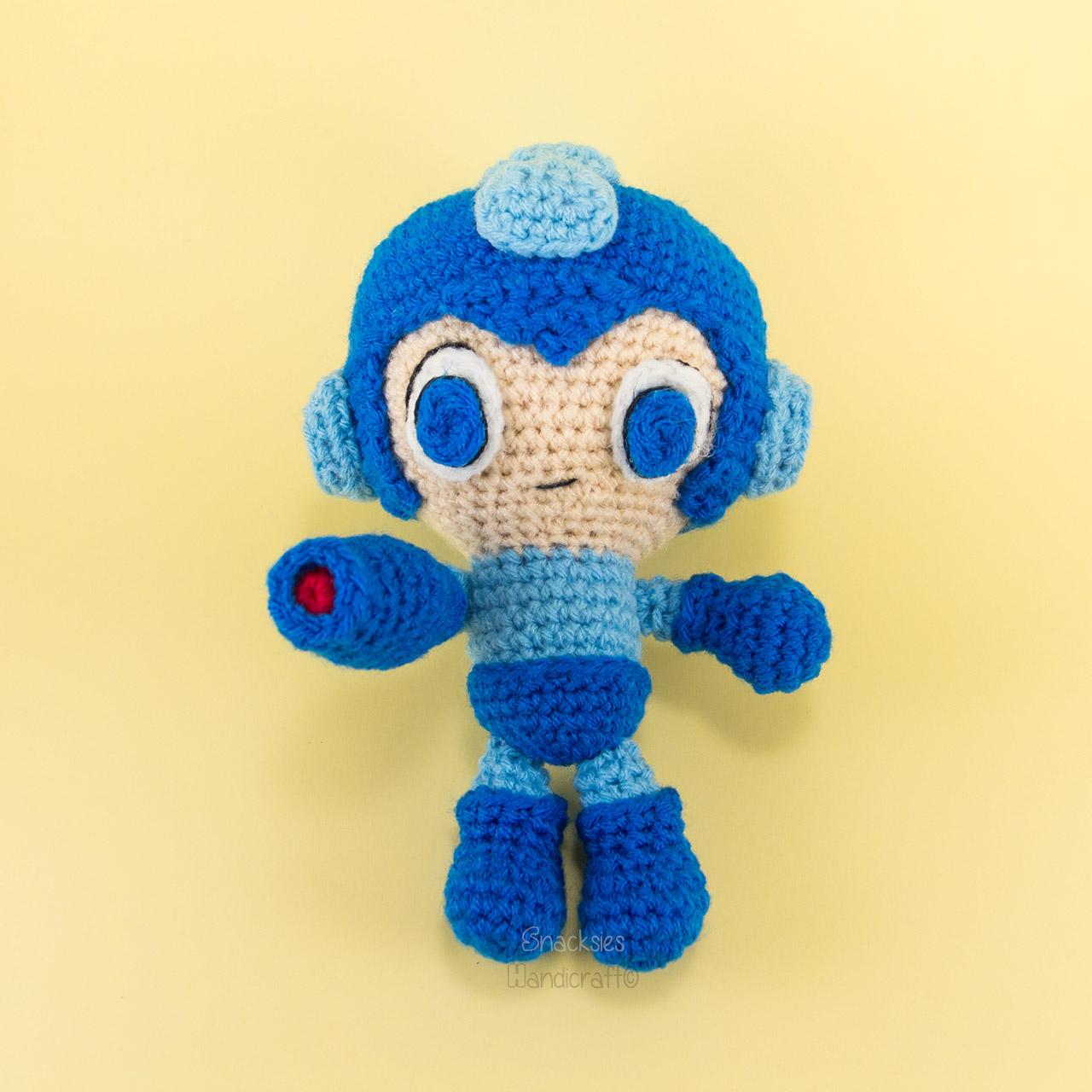 crocheted-rockman-megaman-amigurumi