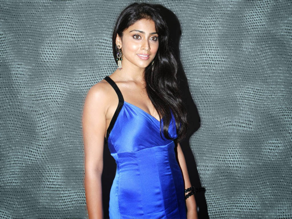 Shriya Saran hot unseen rare pics HD in blue mini Skirt